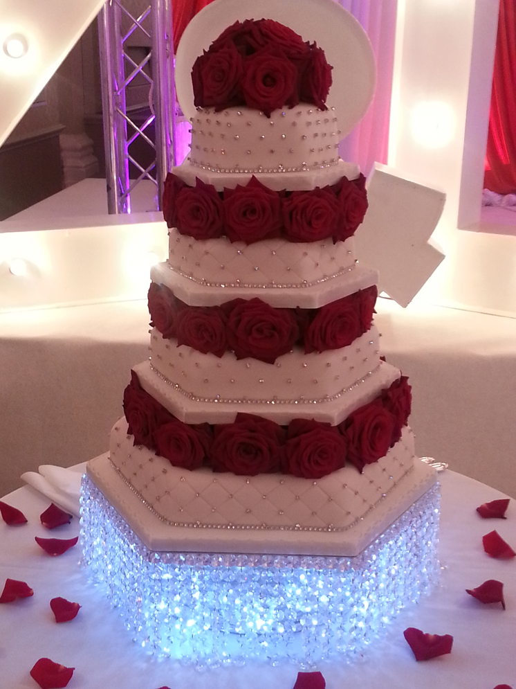 Raj Cakes London S Renowned Wedding Cake Specialist Provide You With That Look Amazing Taste Great And Most Of All Compliment Your Special